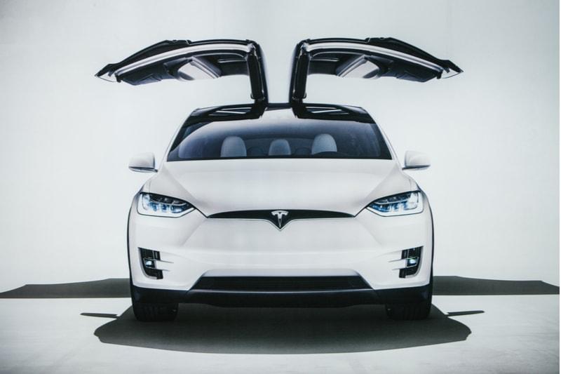 electric-vehicle-tesla-model-x
